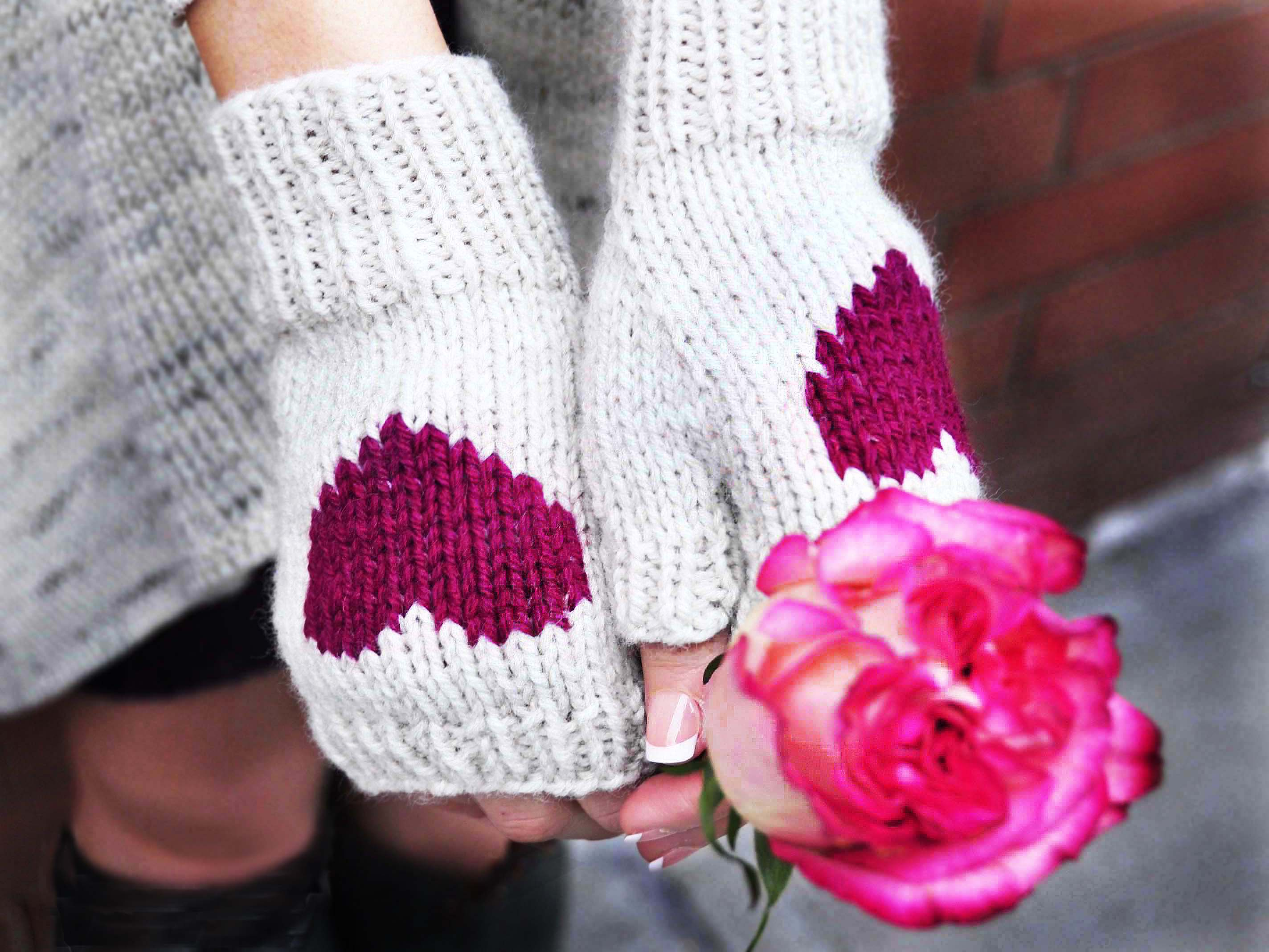 Knit Pattern Heart Mittens : ?Be My Valentine? Fingerless Gloves   Girly Knits